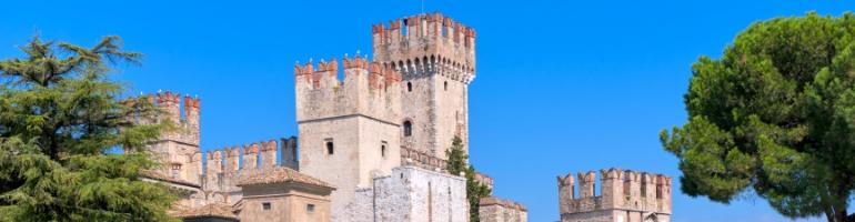 PA_0064_00_Hrad Scaligero - Vodní hrad - Castello Scaligero - The Scaligero Castle - Italie - cestování - dovolená v itálii - Panda na cestach - panda1709