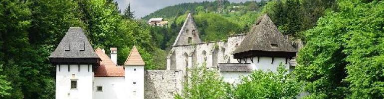 PA_0141_00_ Žičanský klášter - Slovinsko - cestování - dolovelná - Panda na cestach - panda1709